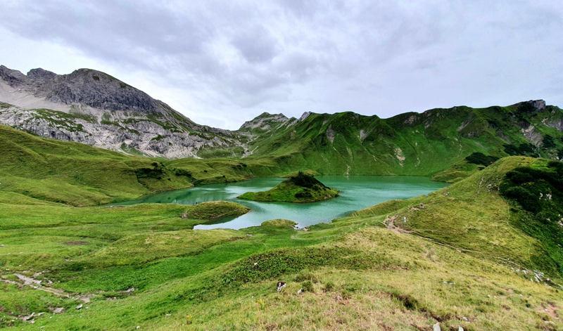 Bukit Kayangan dan Bukit Lawang, Bukit di Sumatera yang Mempesona